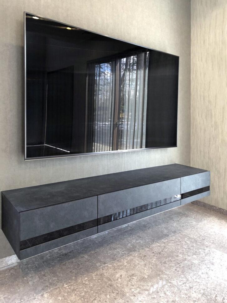 W1700mm以上の大型テレビとフロートテレビボードでモダンなシアタールームが完成